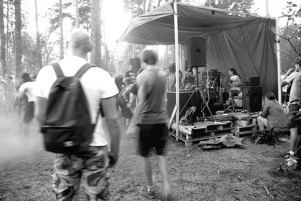 A band, no idea who